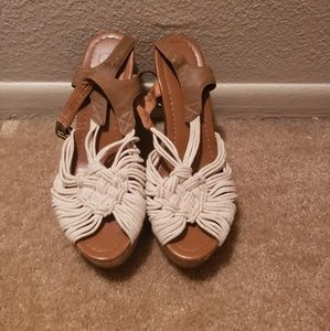 Like new Candie's wedges size 8